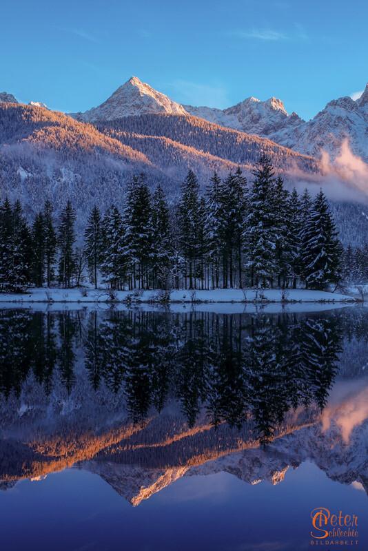 Winterliche Spiegelung am Krünsee