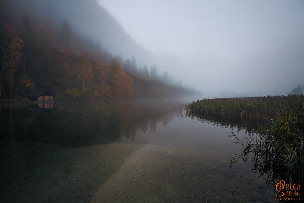 Almsee bei Grünau morgens im Herbst.