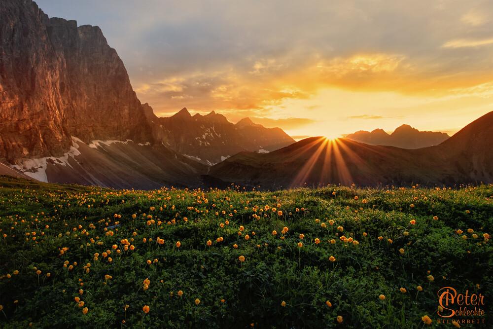 Das Hohljoch zwischen Großer Ahornboden und Falkenhütte zum Sonnenuntergang.