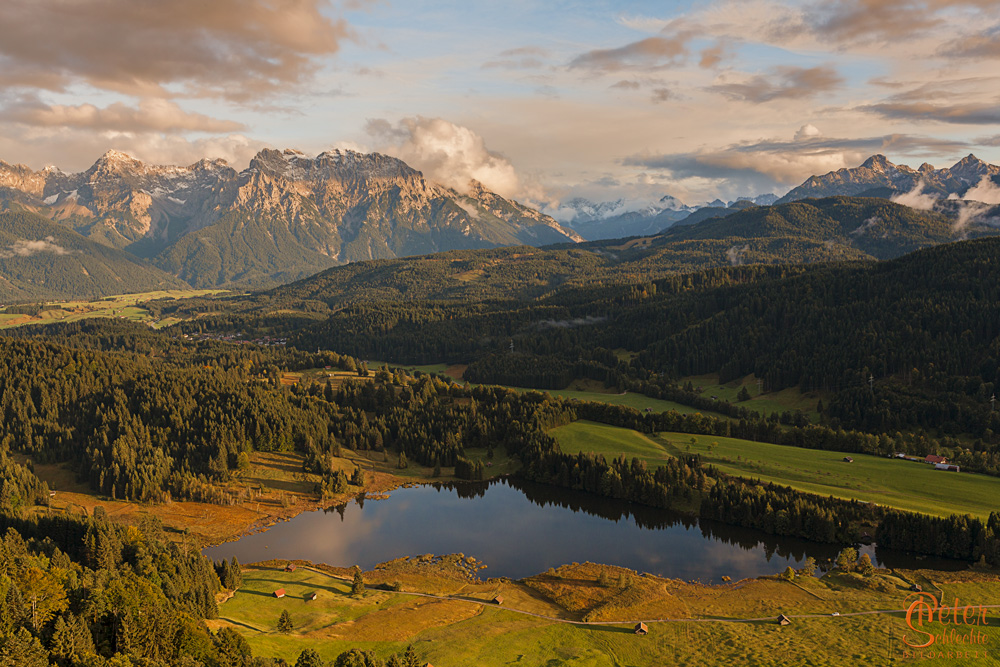 Blick über den Geroldsee in das Karwendel.