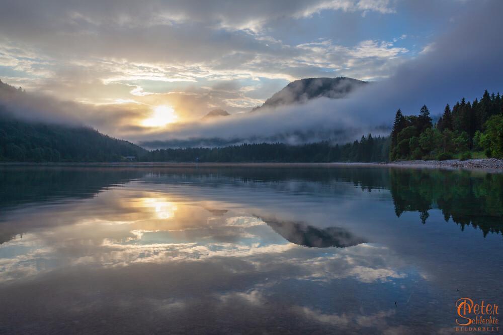 Walchensee zum Sonnenaufgang.