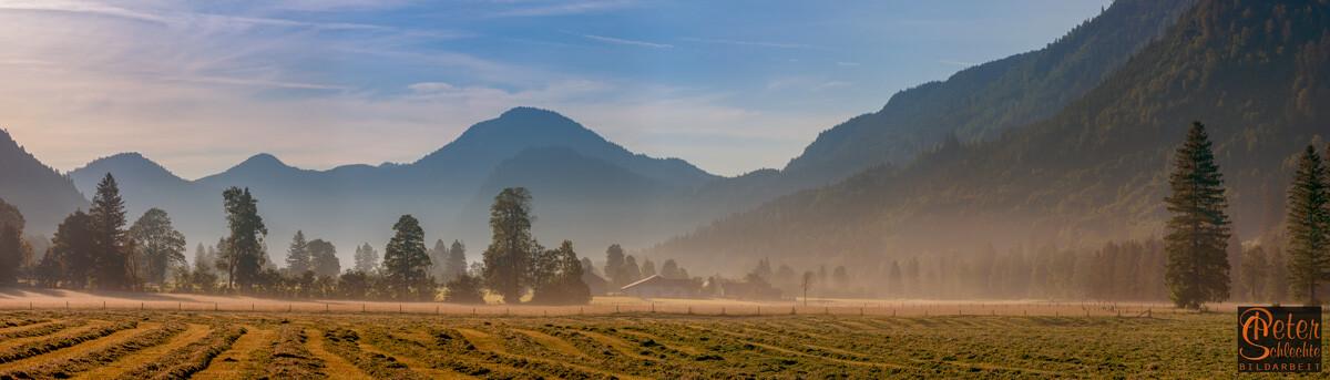 Blick vom Ortsteil Jachenau im gleichnamigen Tal in Richtung Isartal.