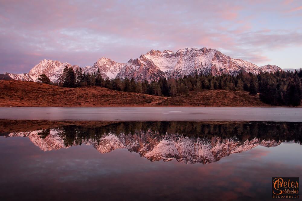 Wildensee im Luttenseegebiet mit Karwendelspiegelung.