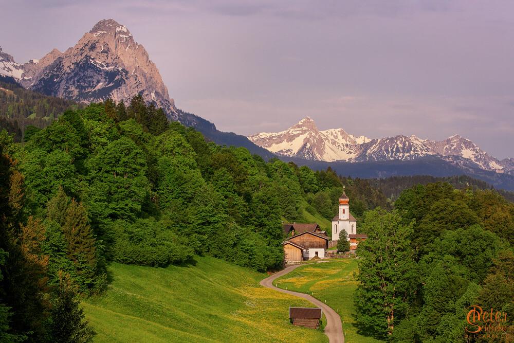 Wamberg, das höchstgelegene Kirchdorf von Deutschland in der Nähe von Garmisch-Partenkirchen.