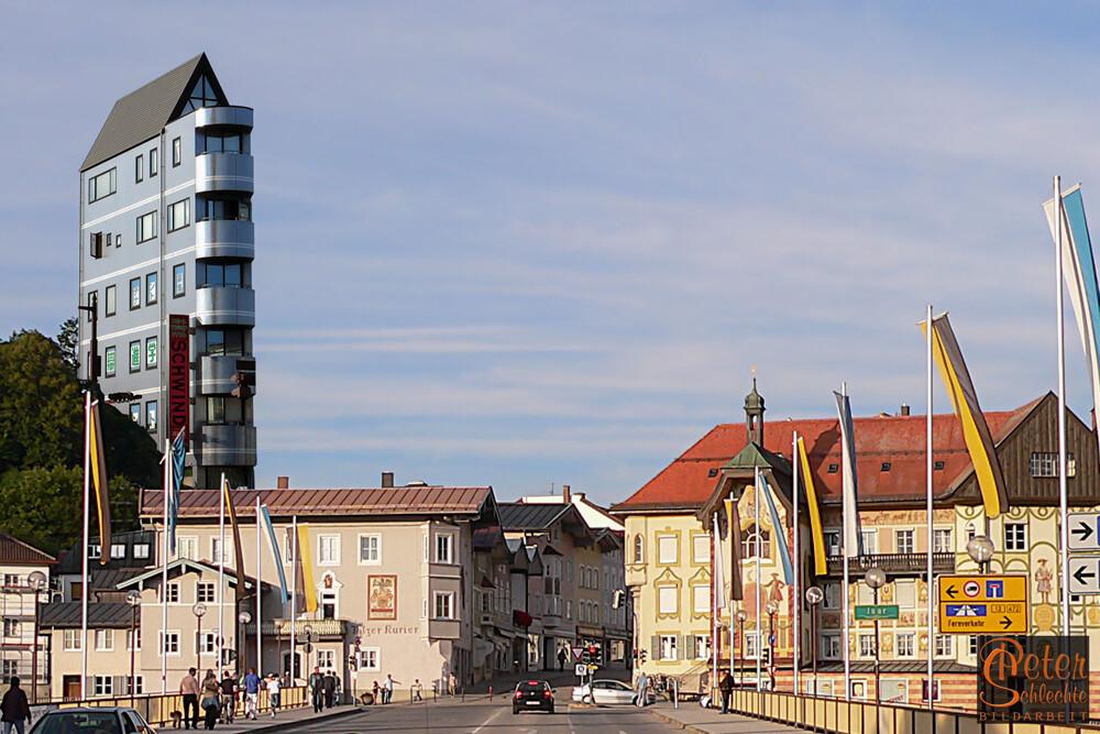 Bad Tölz im Jahr 2046. Japanische Investoren verändern massiv das Tölzer Stadtbild.