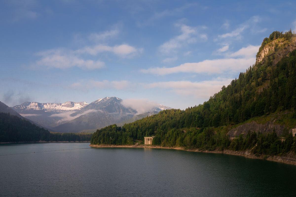 Morgens am Sylvensteinsee.